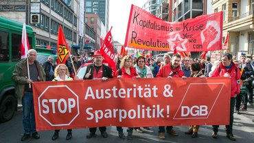 DGB-Demonstration zur Eröffnung der neuen Europäischen Zentralbank
