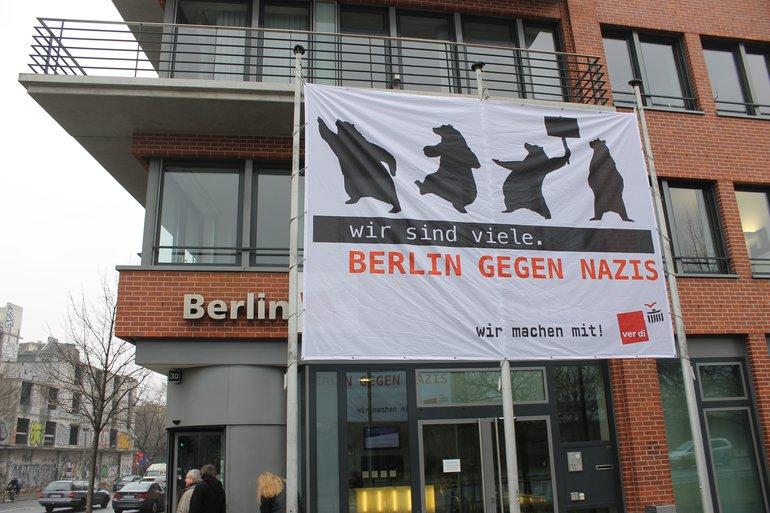 Großbanner Berlin gegen Nazis