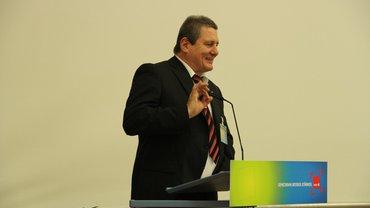 Thomas Cosmar auf einer Konferenz des ver.di-Bezirks Berlin